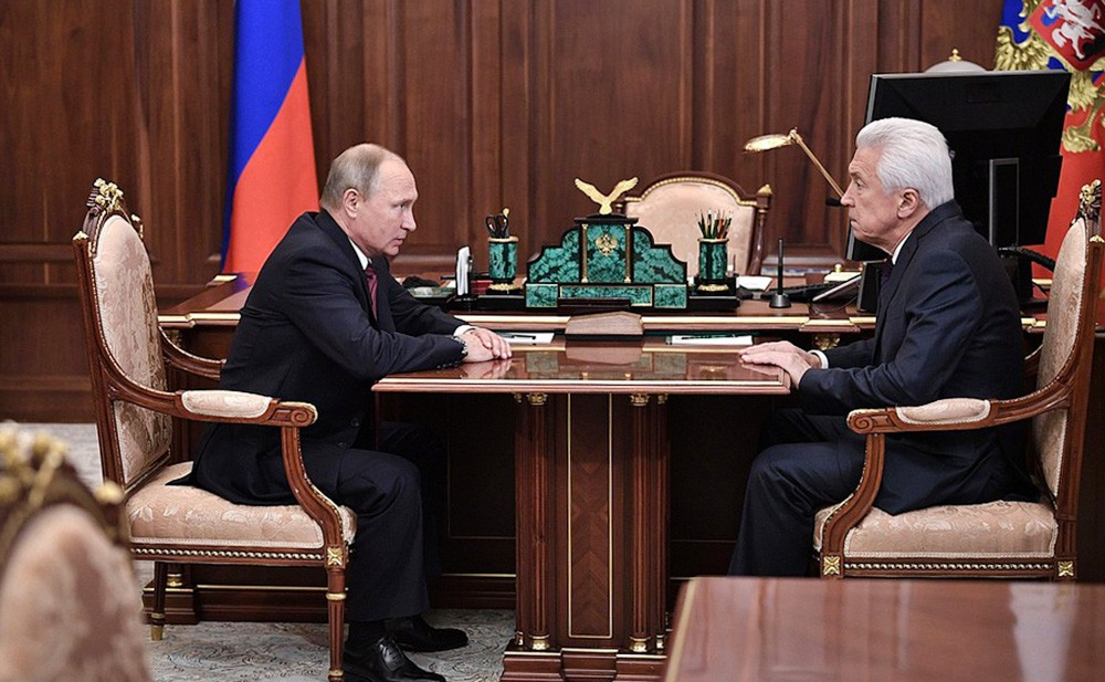 Президент России Владимир Путин и врио главы Дагестана Владимир Васильев