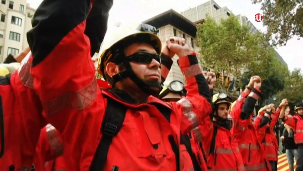 Митинг спасателей  Каталонию
