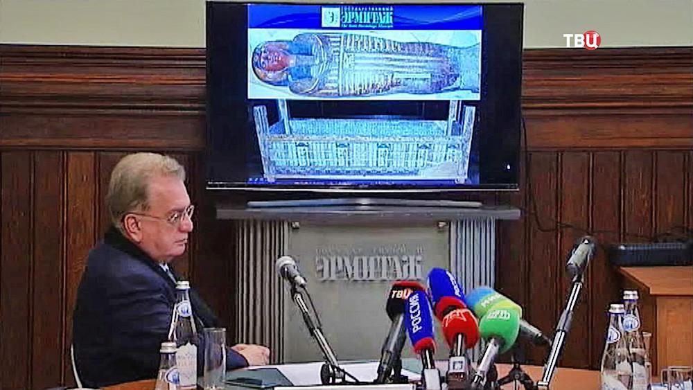 Исследование мумии в Эрмитаже