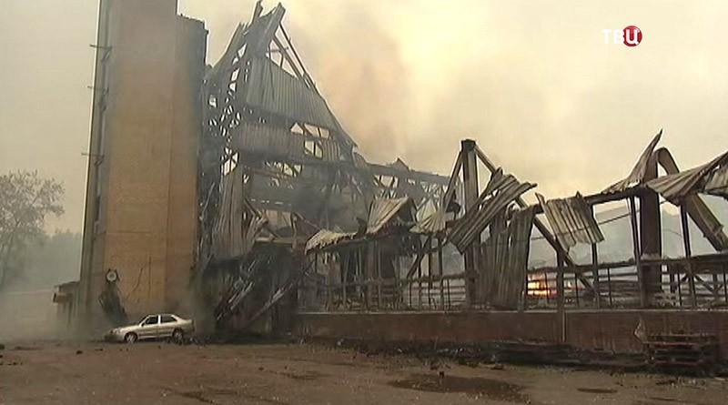 Последствия пожара в мебельном цеху