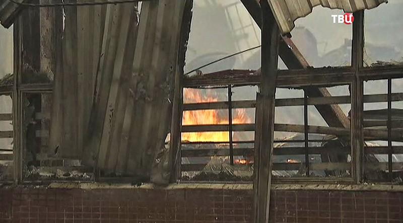 Пожар в мебельном цеху