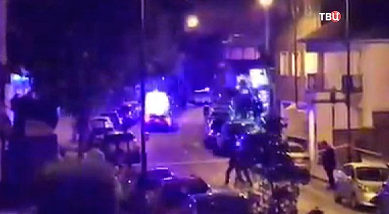 Полиция Великобритании на месте происшествия