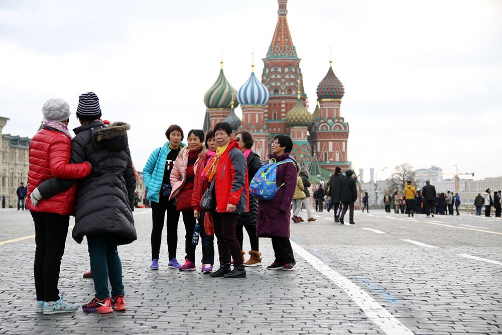 Туристы в Москве