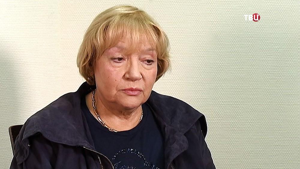 """Актриса Елена Санаева в фильме """"Парфюмерии"""""""