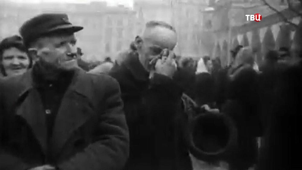 Кадры ВОВ, на которых поляки встречают советскую армию