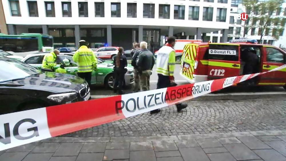 Полицейское оцепление на месте происшествия в Мюнхене