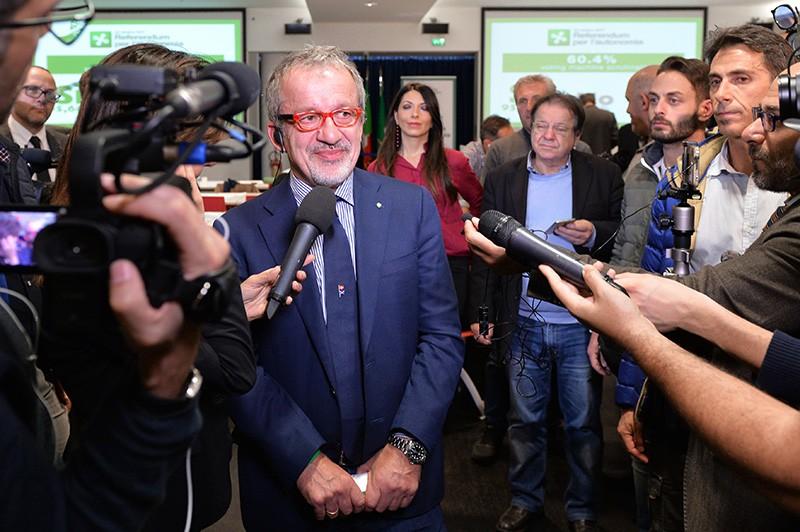 Итальянский политик, губернатор провинции Ломбардия Роберто Марони во время пресс-конференции