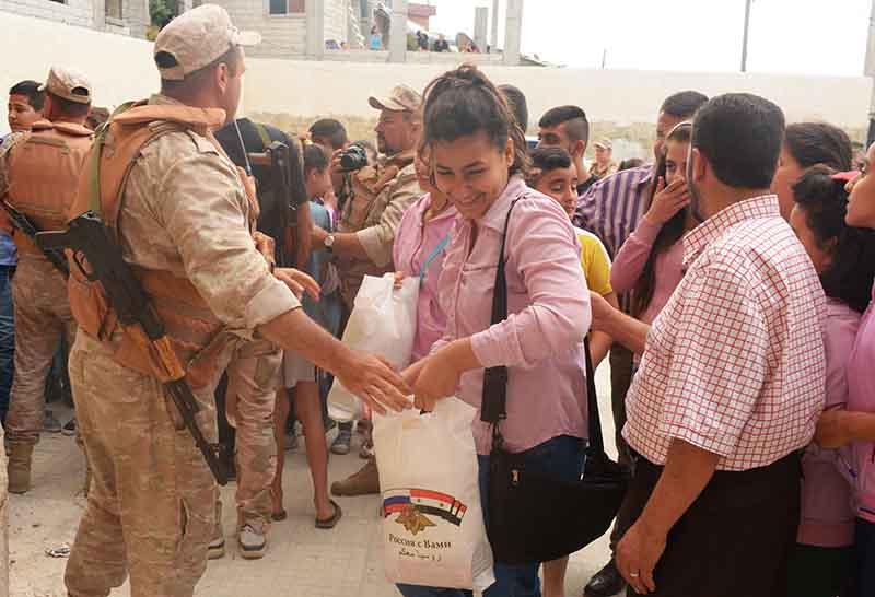 Раздача гуманитарной помощи в провинции Латакия, Сирия
