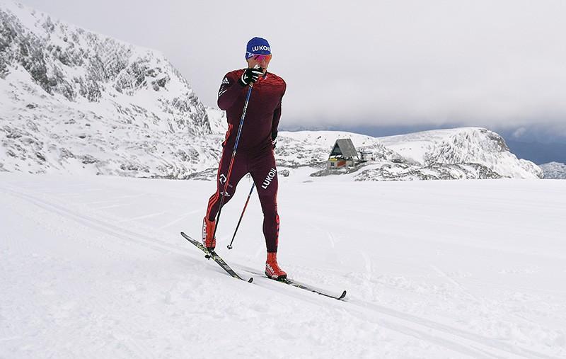 Российский лыжник Евгений Белов
