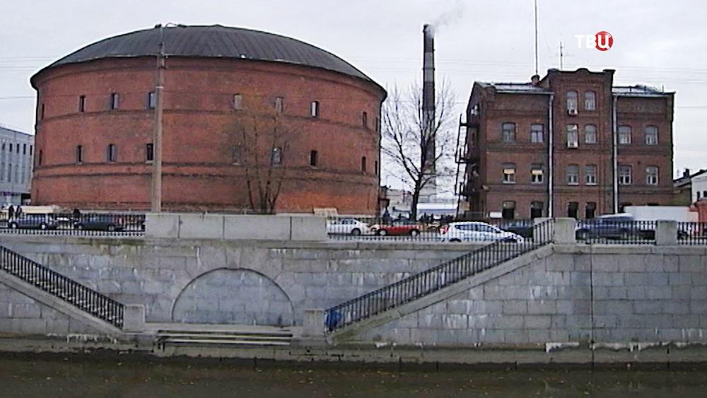 Здание крупнейшего в мире планетария в Санкт-Петербурге