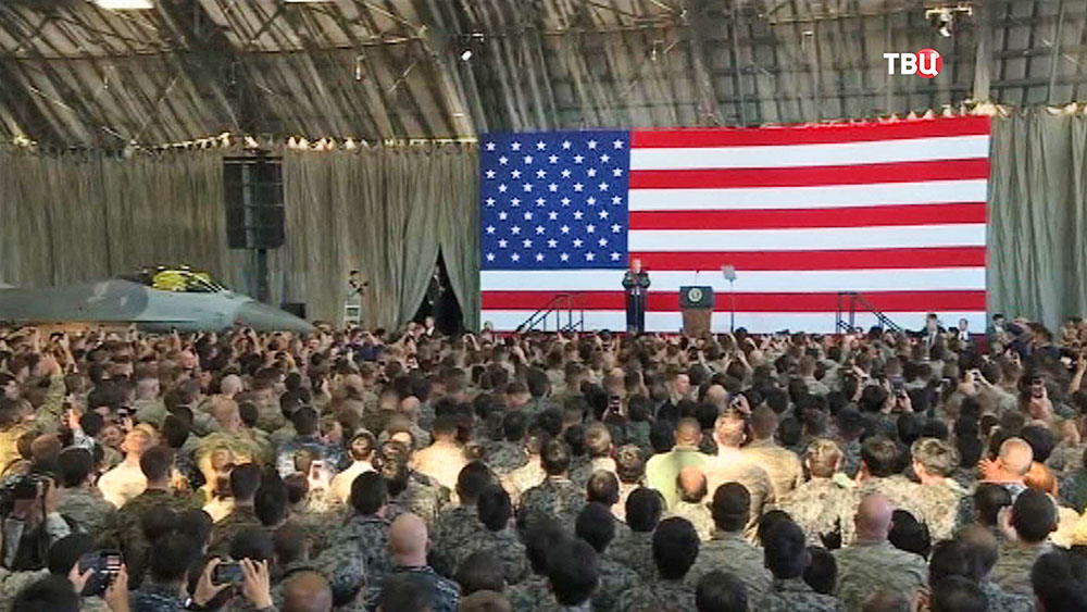 Дональд Трамп на встрече с военнослужащими армии США