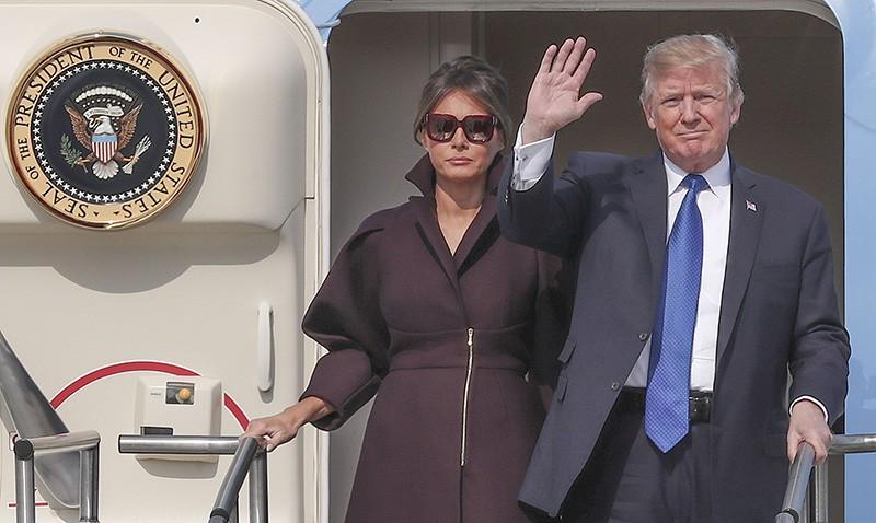 Дональд Трамп во время визита в Южную Корею