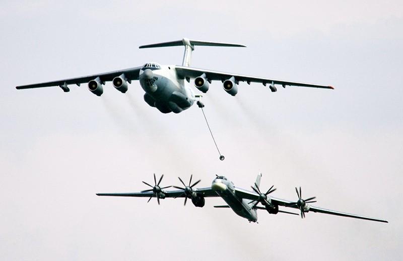 Дозаправка в воздухе Ту-95