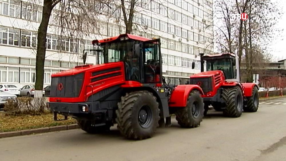 Трактор К-424