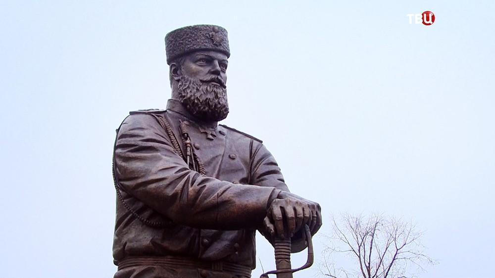 Памятник Александру III в Ялте