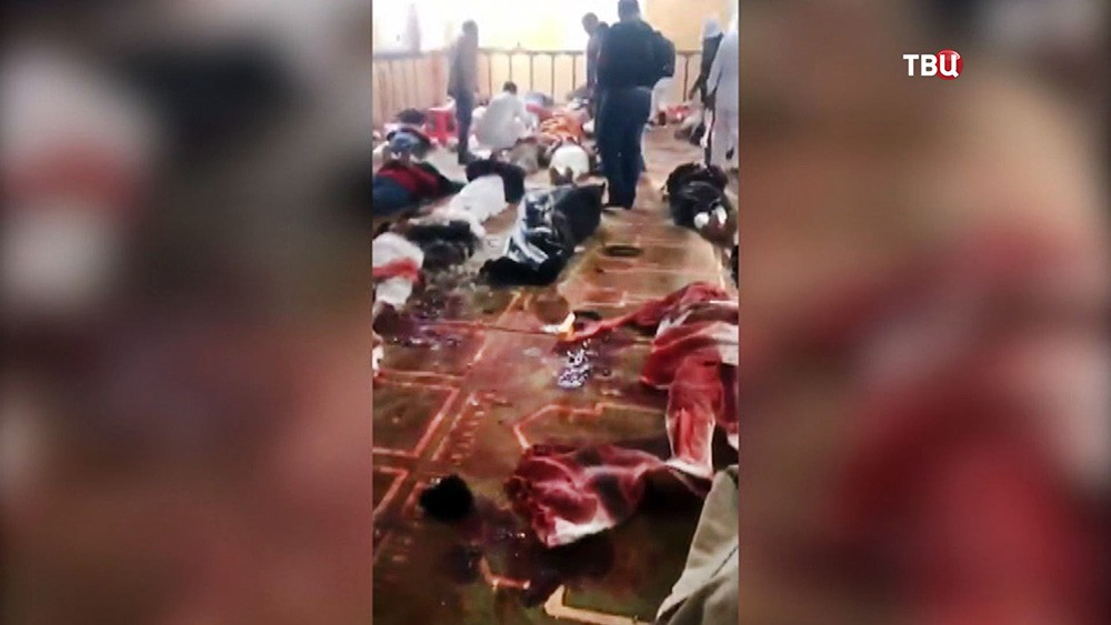 Последствия теракта в мечети в Египте
