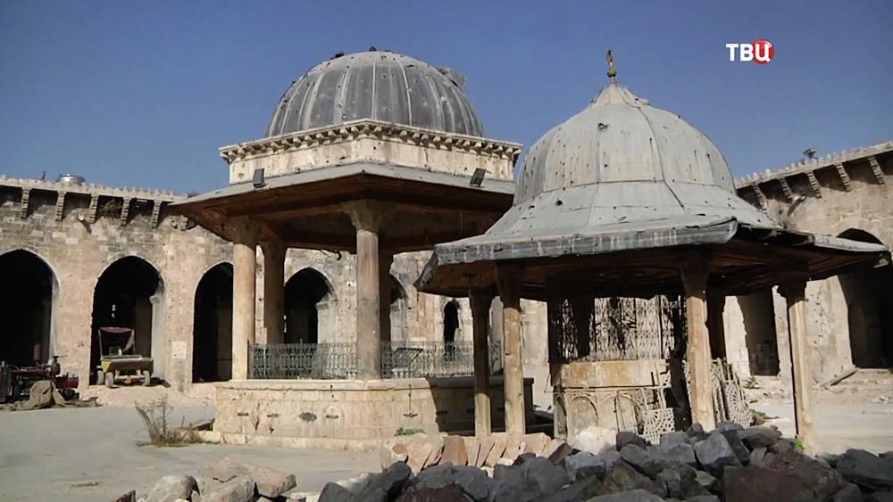 Великая мечеть, династии Омейядов в Сирии