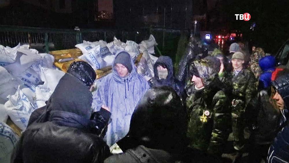 Украинские радикалы блокируют телеканал NewsOne