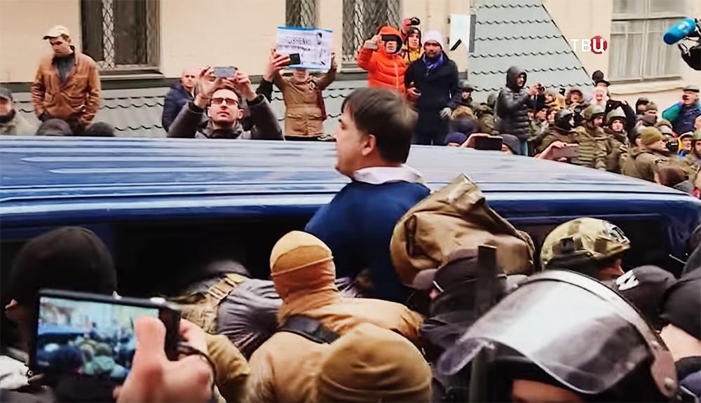 Михаил Саакашвили в автомобиле СБУ