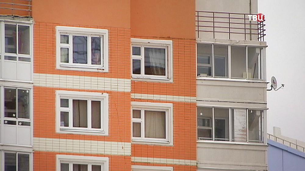 Окна многоэтажки