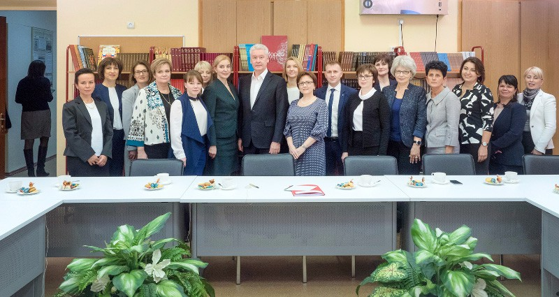Мэр Москвы Сергей Собянин встретился с учителями начальных классов школ