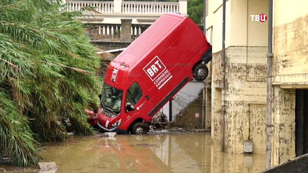 Последствия наводнения в Италии