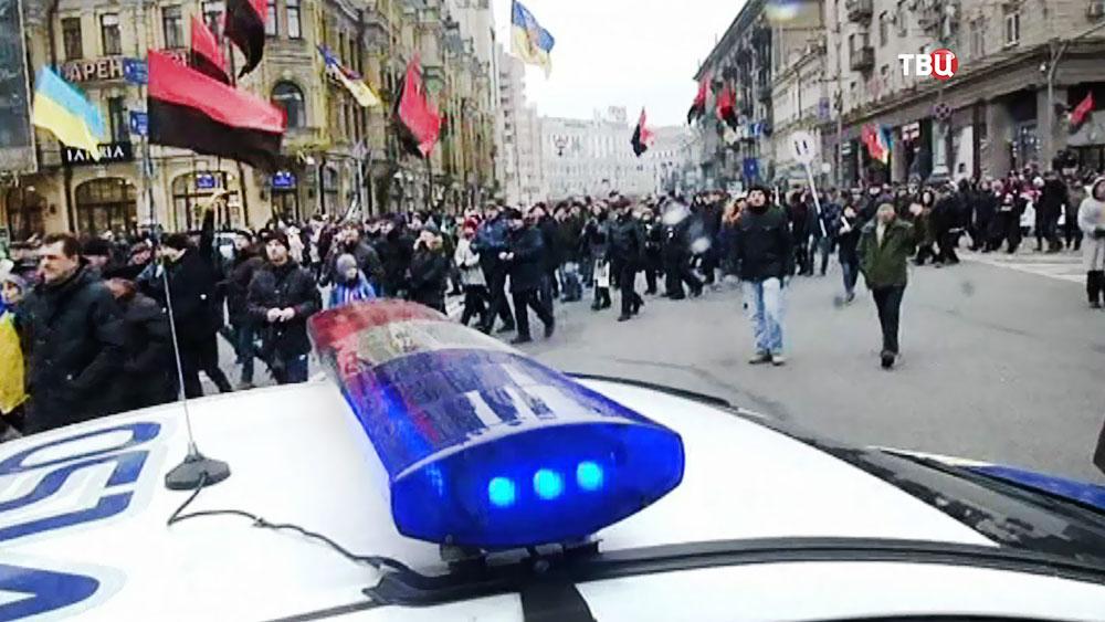 Полиция Украины работает во время митинга в Киеве