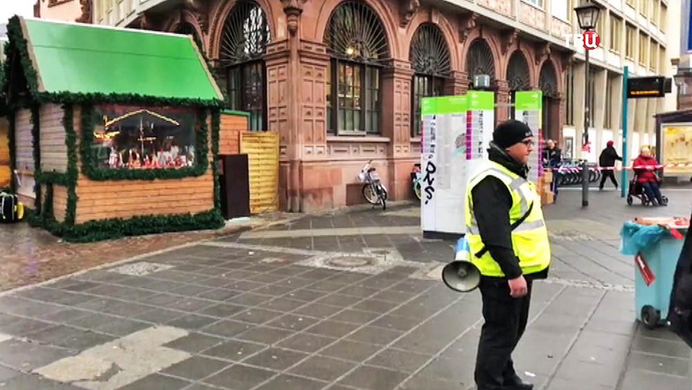 Полиция Германии оцепила рождественскую ярмароку