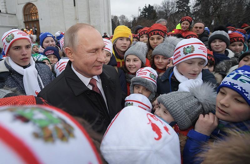 Владимир Путин во время встречи с детьми