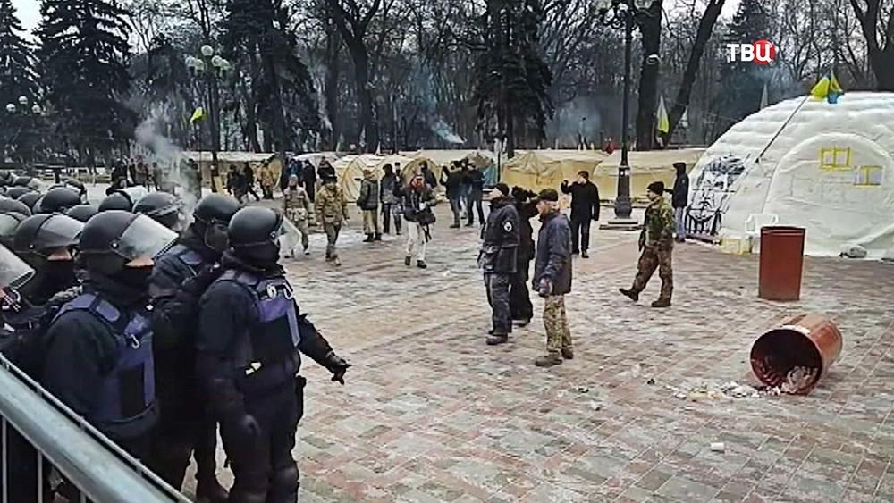 Палаточный городок возле Верховной Рады Украины