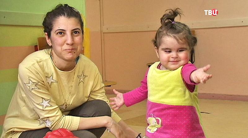 Девочка из Сирии и ее мама