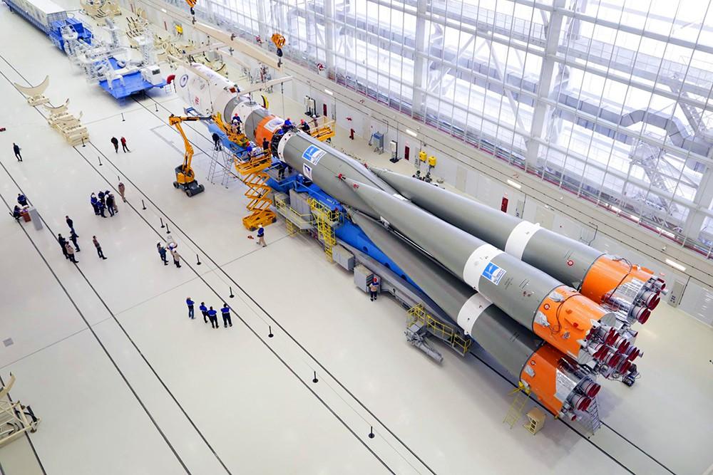"""Подготовка к запуску ракеты-носителя """"Союз 2.1а"""" на космодроме """"Восточный"""""""