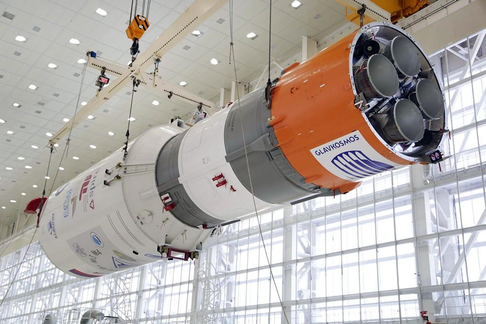 """Сборка ракеты-носителя """"Союз 2.1а"""" на космодроме """"Восточный"""""""