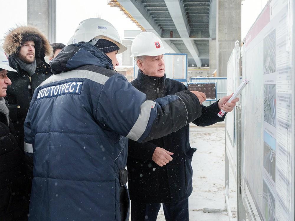 Сергей Собянин осматривает ход строительства эстакады