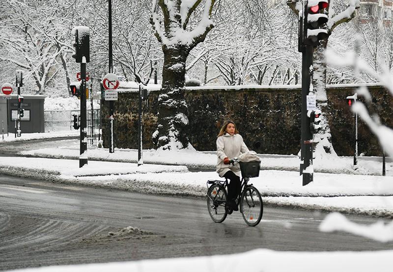 Снегопад в Париже
