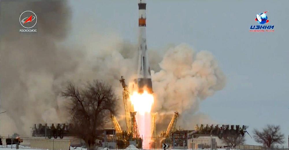 "Старт ракета-носителя ""Союз 2.1А"""