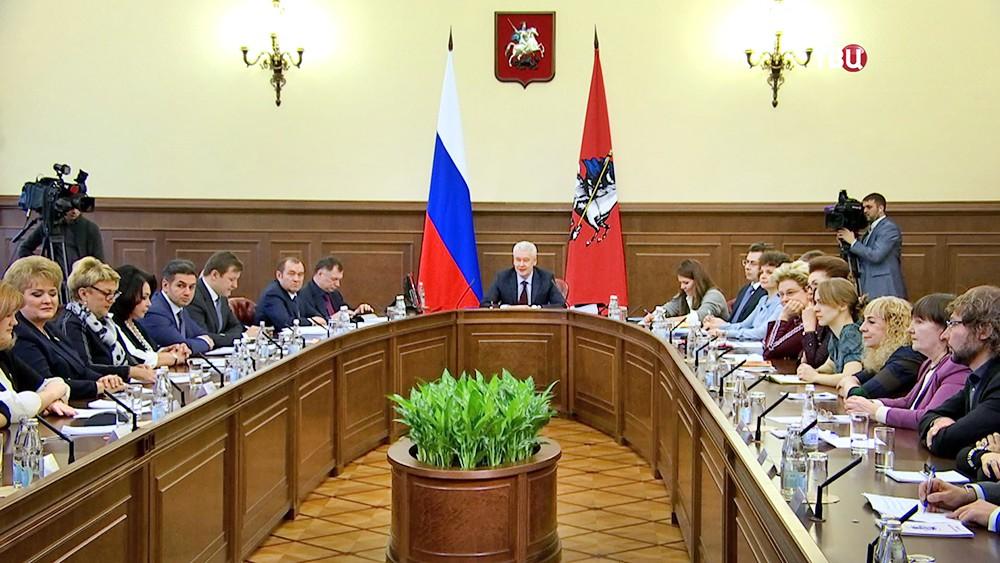 Сергей Собянин на заседании