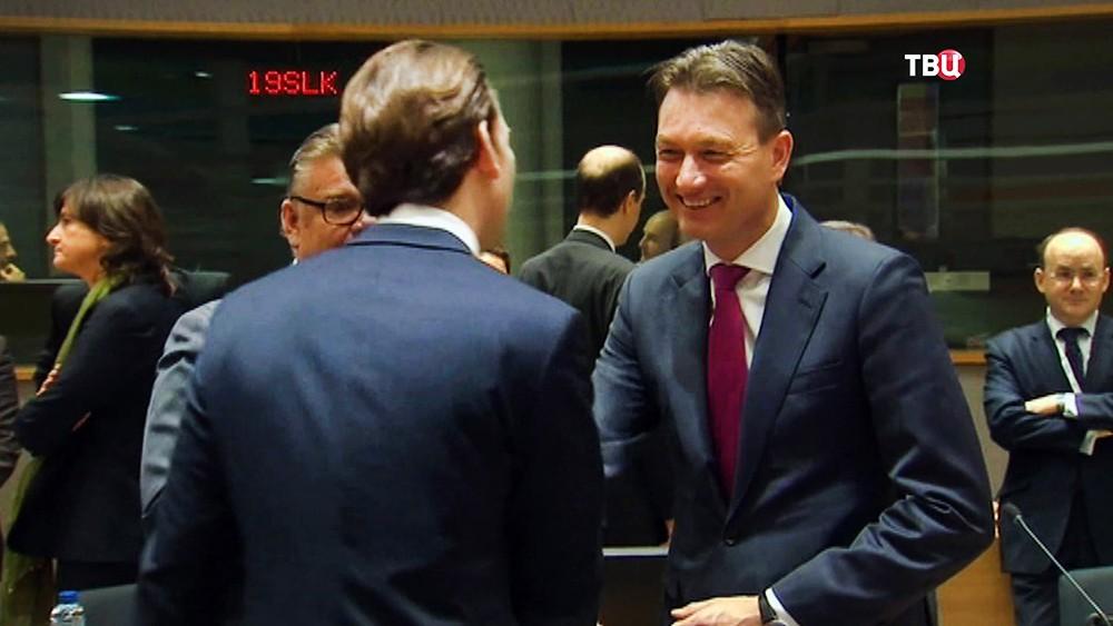 Экс-глава МИД Нидерландов Хальбе Зейлстра на самиите ЕС