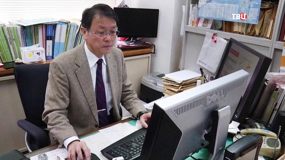 Сейсмолог в Японии