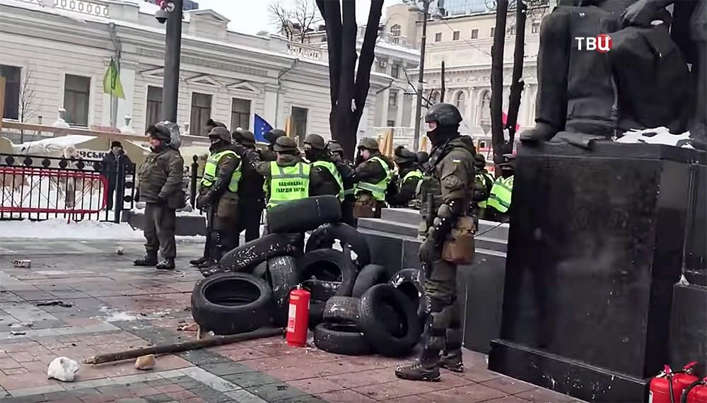 Полиция Украины у здания Верховной Рады