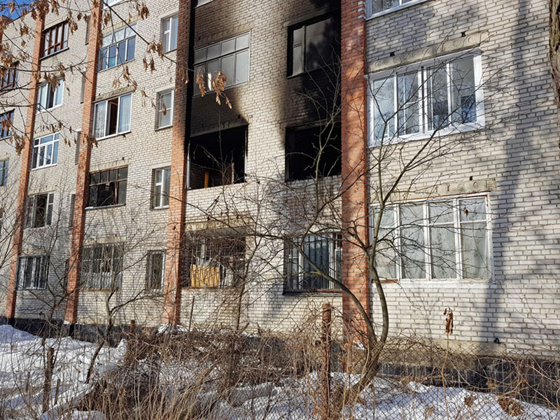 Последствия возгорания в жилом многоквартирном доме в Раменском