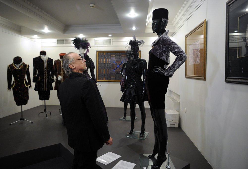Выставка модельера Вячеслава Зайцева «Ностальгия по красоте
