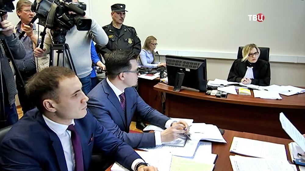 Суд по делу о сделке о передаче земельных участков Совхоза им. Ленина
