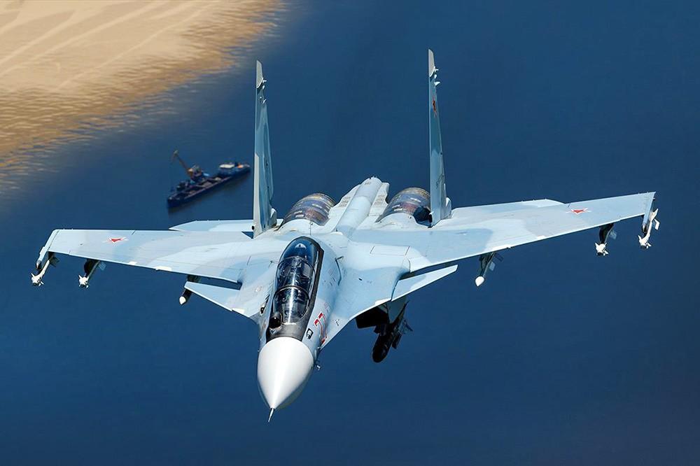 Истребитель ВКС России Су-30СМ