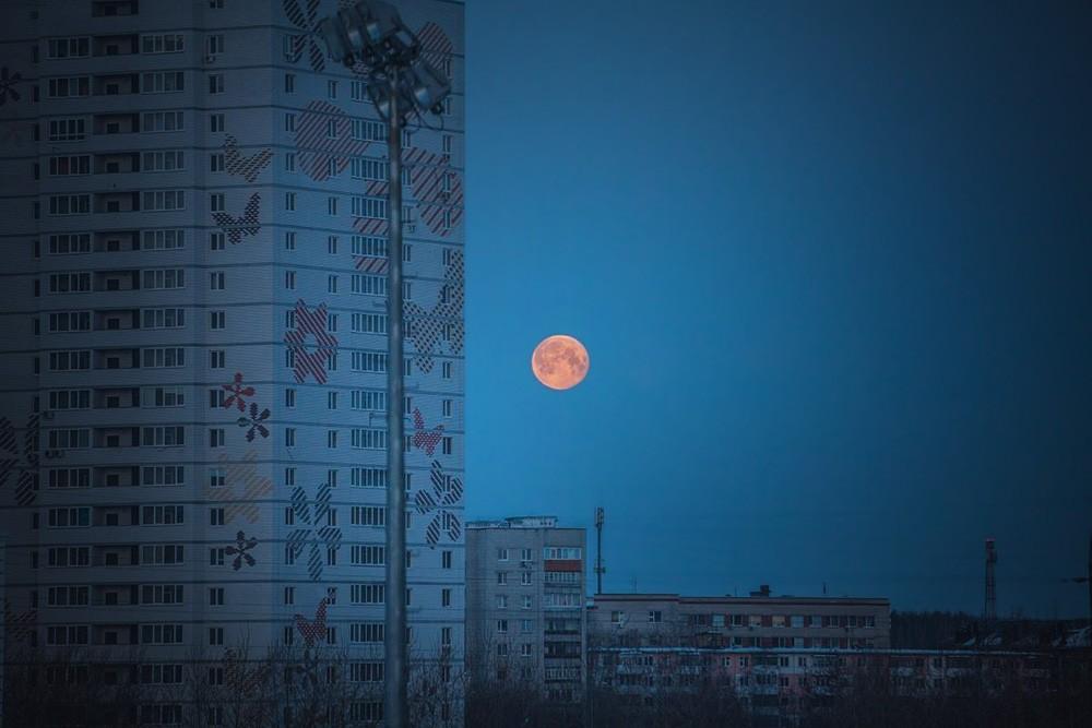 """""""Кровавая"""" луна"""