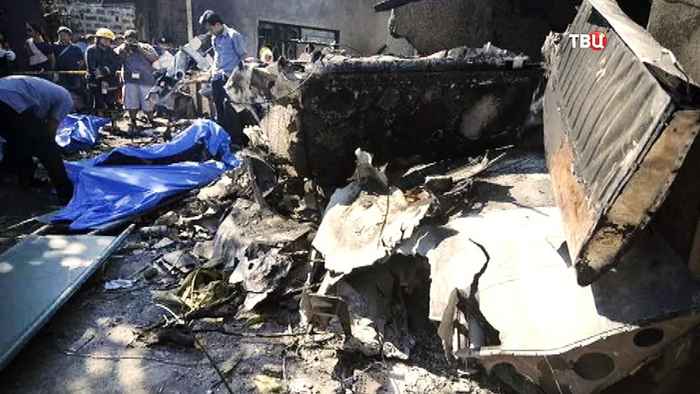 Последствия падения самолета в Филиппинах