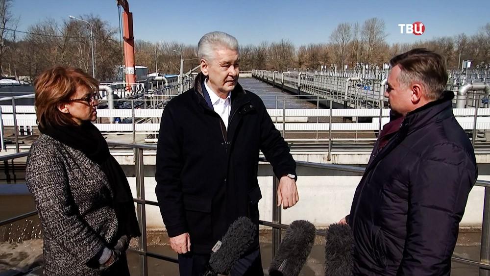 Сергей Собянин осмотрел обновленные курьяновские очистные сооружения
