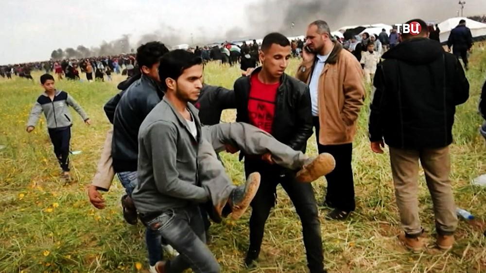 Пострадавшие при беспорядках в секторе Газа