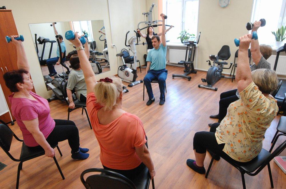 """Занятия для людей старшего возраста в рамках программы """"Активное долголетие"""""""