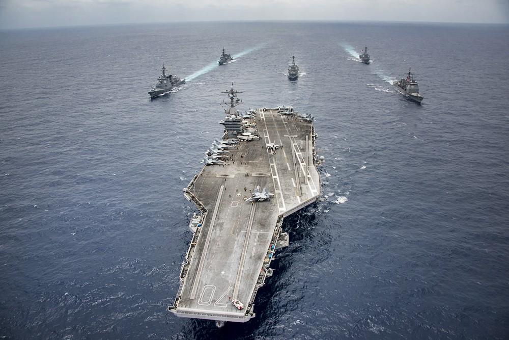 Авианосец ВМС США Carl Vinson